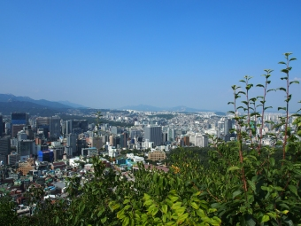 View from the Jamdoobong photo island, half way up the walk up to the M Korea Tower
