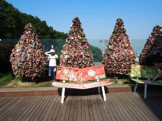 Trees made of promise locks on the platform of the M Korea Tower
