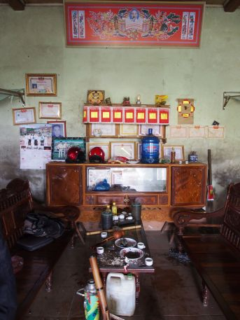 The living room of one of our hostsduring the trek.